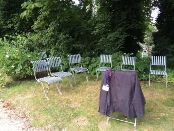 auditoire chaises vides