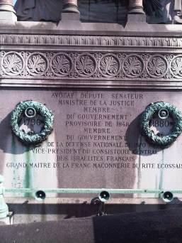 anonyme célèbre et F M cimetiere montparnasse avril 2011